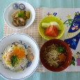 (昼食献立) ・ちらし寿司(じゃこ) ・煮物盛り合わせ ・一口ソーメン ・フルーツ(メロン・すいか)