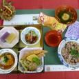 (昼食献立) ・赤飯(栗入り) ・えびの天ぷら ・里芋まんじゅうのあんかけ ・うざく・吸い物 ・ようかん・赤酒