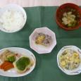(昼食献立) ・ごはん ・魚の木の芽焼き ・春雨の酢の物 ・清汁(鶏) ・小倉ミルクかん