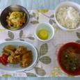 (昼食献立) ・ごはん ・鶏肉の衣揚げ ・香り和え ・清汁(大根) ・オレンジゼリー